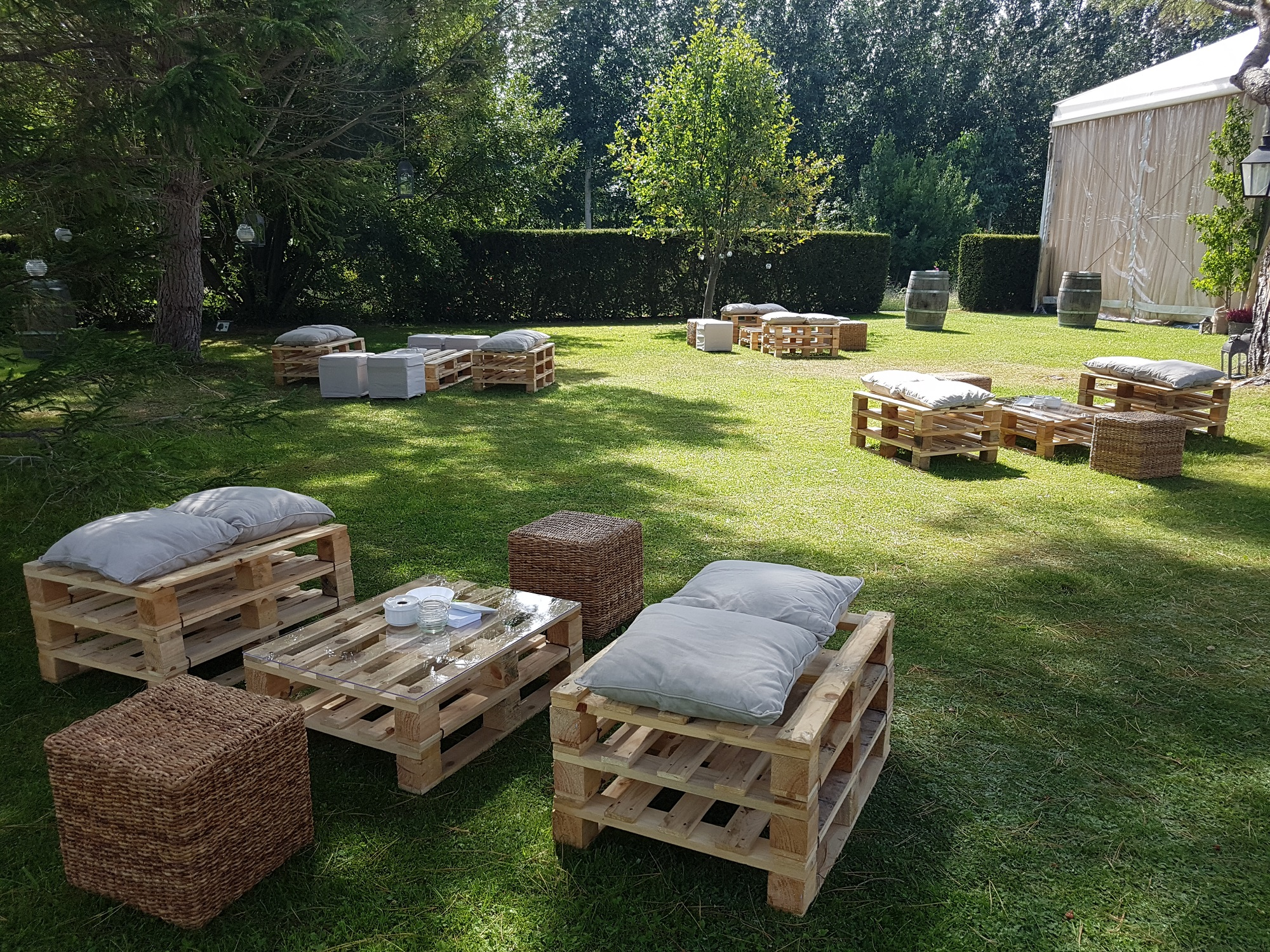 Relax area at the outside gardens
